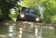 Esce di scena un mito: addio Land Rover Defender