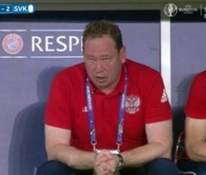 Slutski in stato catatonico dopo il secondo goal slovacco. O forse dopo la seconda bottiglia di vodka