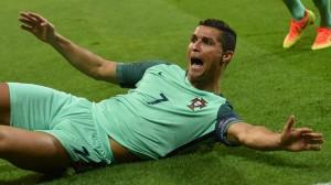 L'esultanza di Cristiano Ronaldo. Anche in questo caso, comunque, stava chiedendo un fallo
