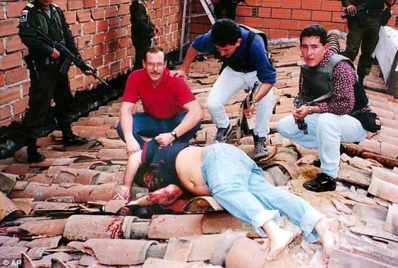 pablo-escobar-morto-1993-712003