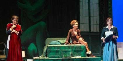 """""""Le serve"""" di Anfuso: un'opera dominata dalla drammaturgia"""