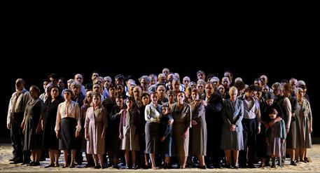 Scala: piace e fa soldout il Nabucco della tradizione