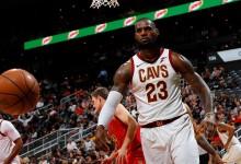 Rockets e Warriors in fuga, a Natale torna Curry