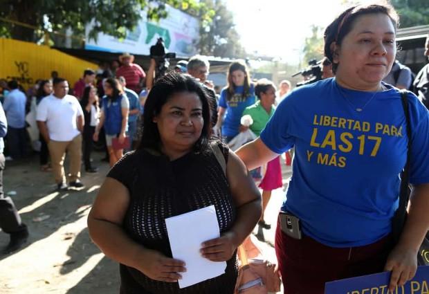 La storia di due donne a El Salvador
