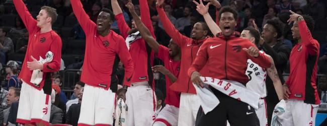 Warriors in ciabatte, Raptors da titolo