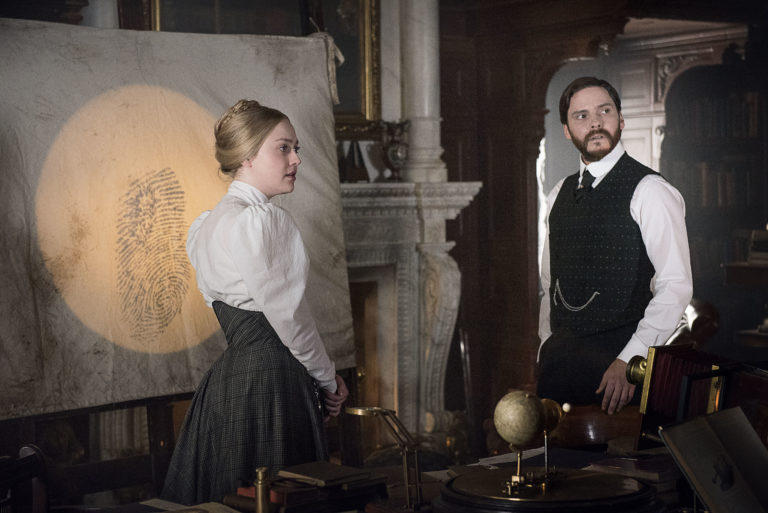 The-Alienist-Dakota-Fanning-Daniel-Bruhl-Birdmen