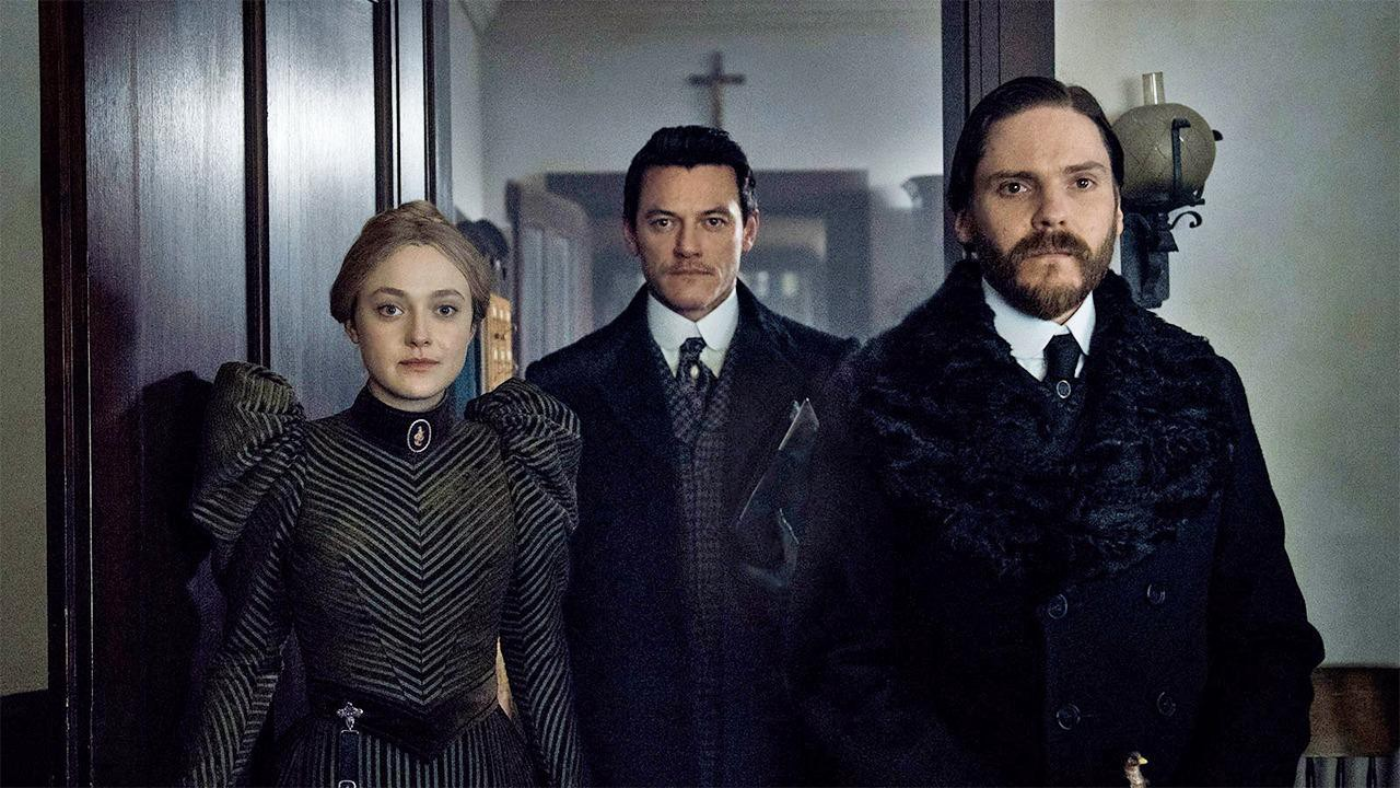 The Alienist Dakota Fanning Daniel Bruhl Luke Evans Cast Birdmen