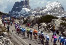 Via al Giro d'Italia, un rito e una festa per tutto il nostro paese