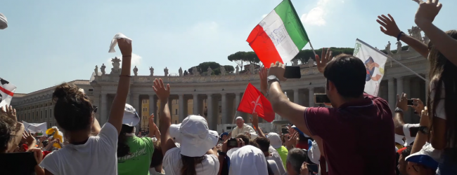 """Siamo qui"": i giovani italiani incontrano Papa Francesco"