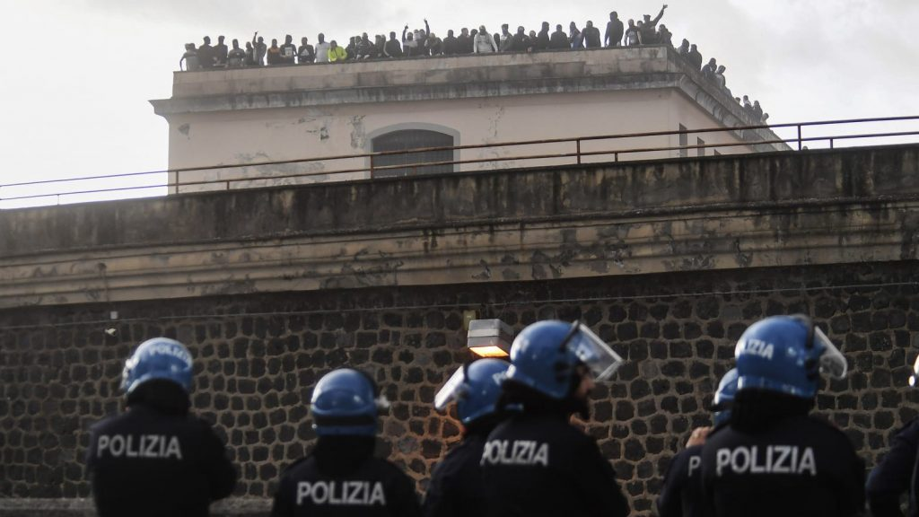 prigione-polizia-italia-covid-pericolo