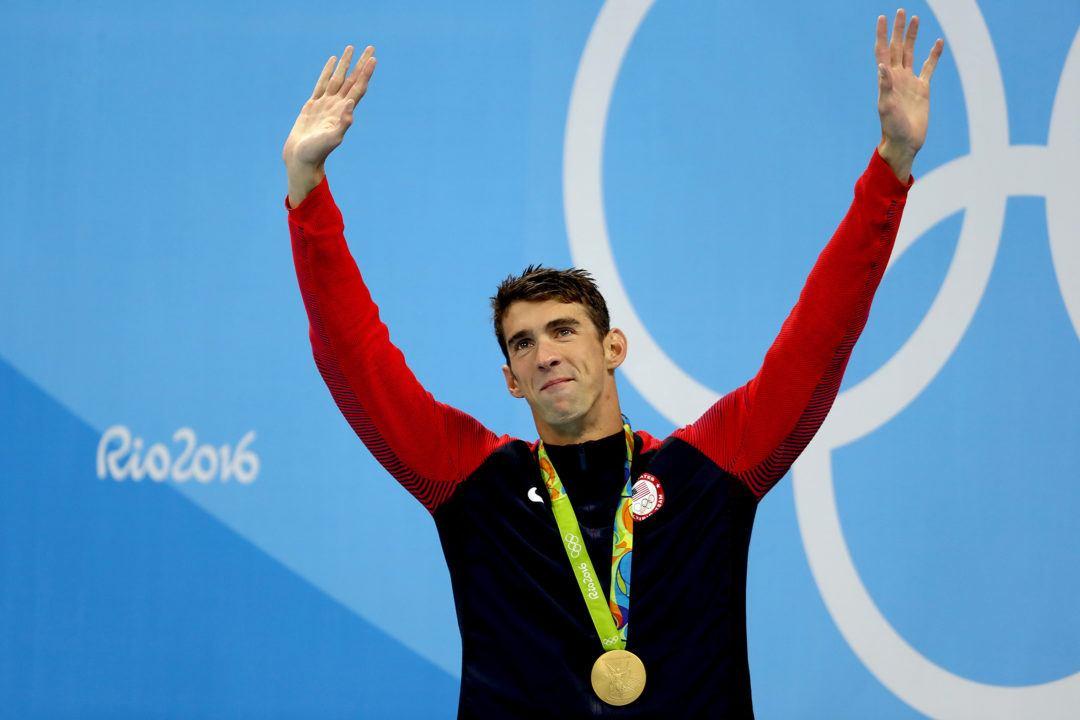 michael-phelps-rio-2016-olimpiadi-medaglia-premiazione-depressione-salute-mentale