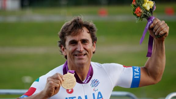 alex-zanardi-medaglia-oro-paralimpiadi-incidenti-sport-discriminazione